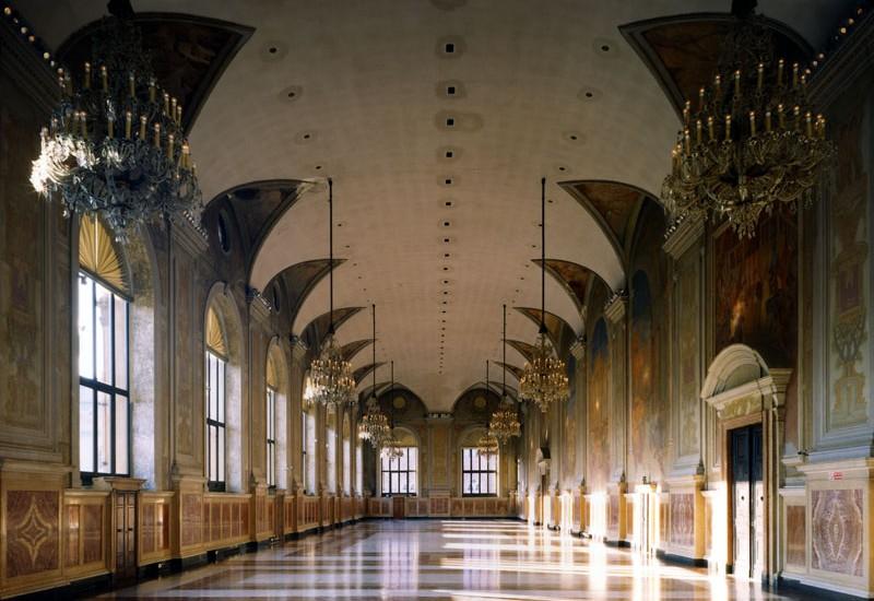 Risultati immagini per palazzo re  enzo bologna